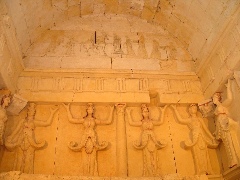 sveshtarskata-grobnica