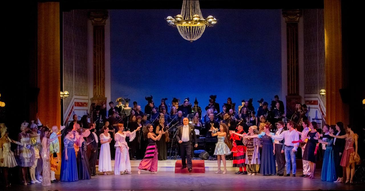 Маестро Юли Дамянов - юбилеен концерт в Музикалния театър