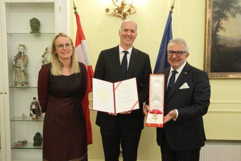 Българският посланик във Виена удостоен с почетен орден