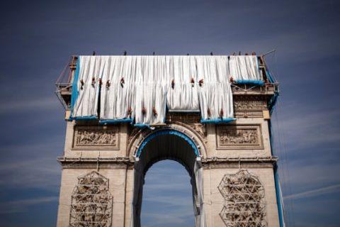 Опаковането на Триумфалната арка – мечтата на Кристо осъществена